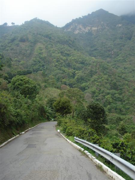 Guate_Atitlan_Steep_Rd_2