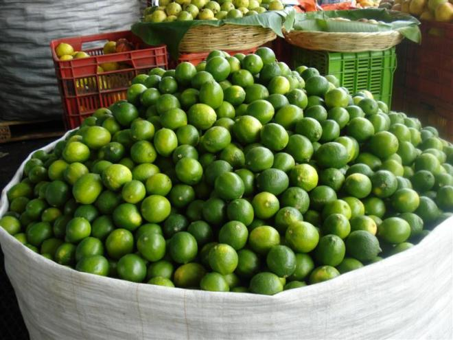 Guate_Mkt_Limes