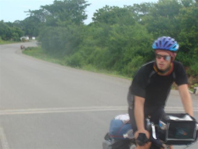 Nica_Eoin_Close_Biking